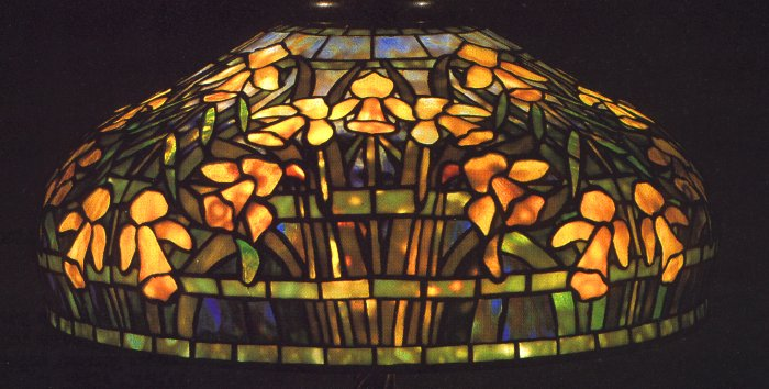 A Daffodil Leaded Glass And Bronze Table Lamp