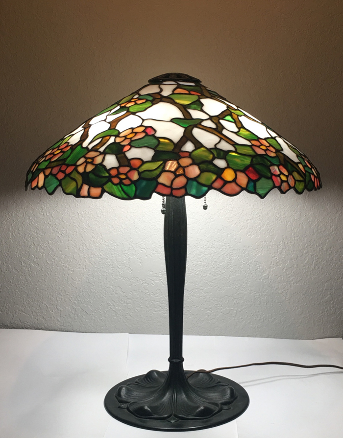 Suess Ornamental Stained Glass Floral Table Lamp
