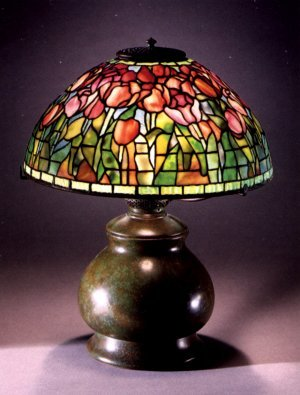 Tiffany Studios Favrile Glass And Bronze Tulip Lamp 1899